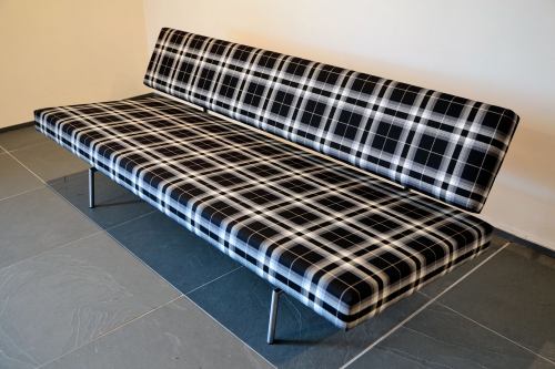 Martin Visser-Sofa in Schottenmuster